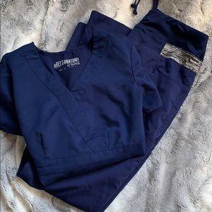 Grey's Anatomy scrub set. Gently used 👩🏻⚕️